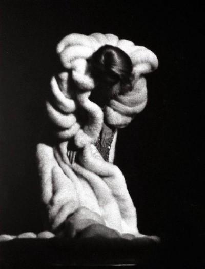 Марлен Дитрих в поклоне