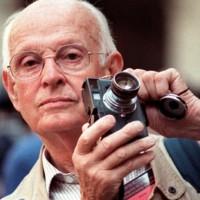 Основоположник документальной фотографии, фотожурналистики Анри Картье-Брессон.