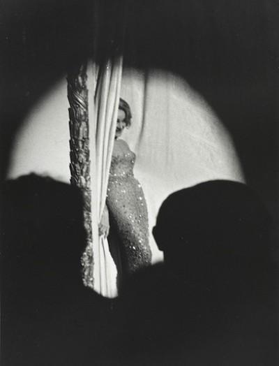 Марлен Дитрих на сцене.