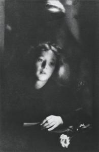 Клэренс Уайт. Девушка с розой. 1908 г.
