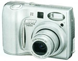 Nikon COOLPIX 7600/