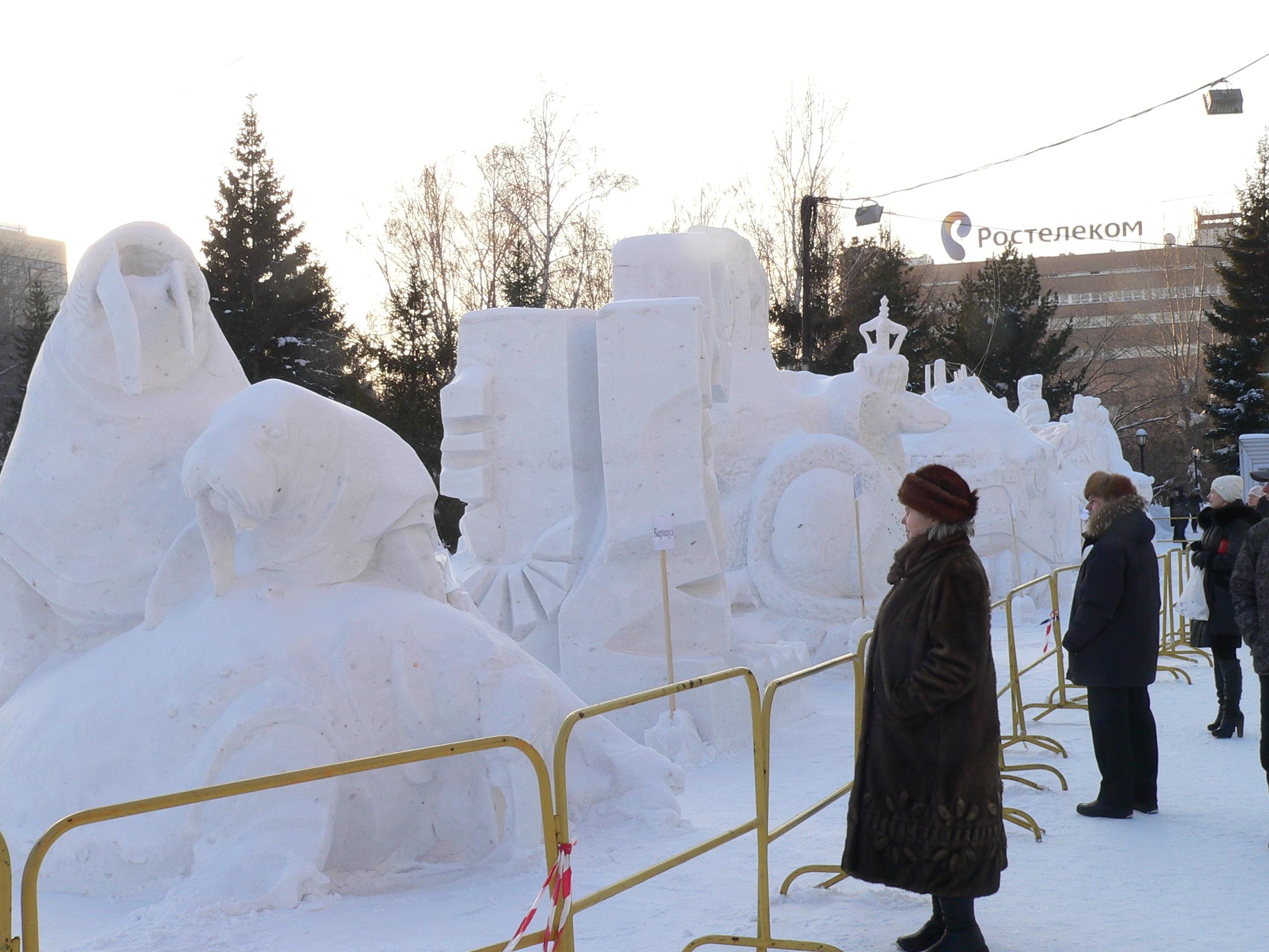 Снежные_скульптуры_в_Новосибирске
