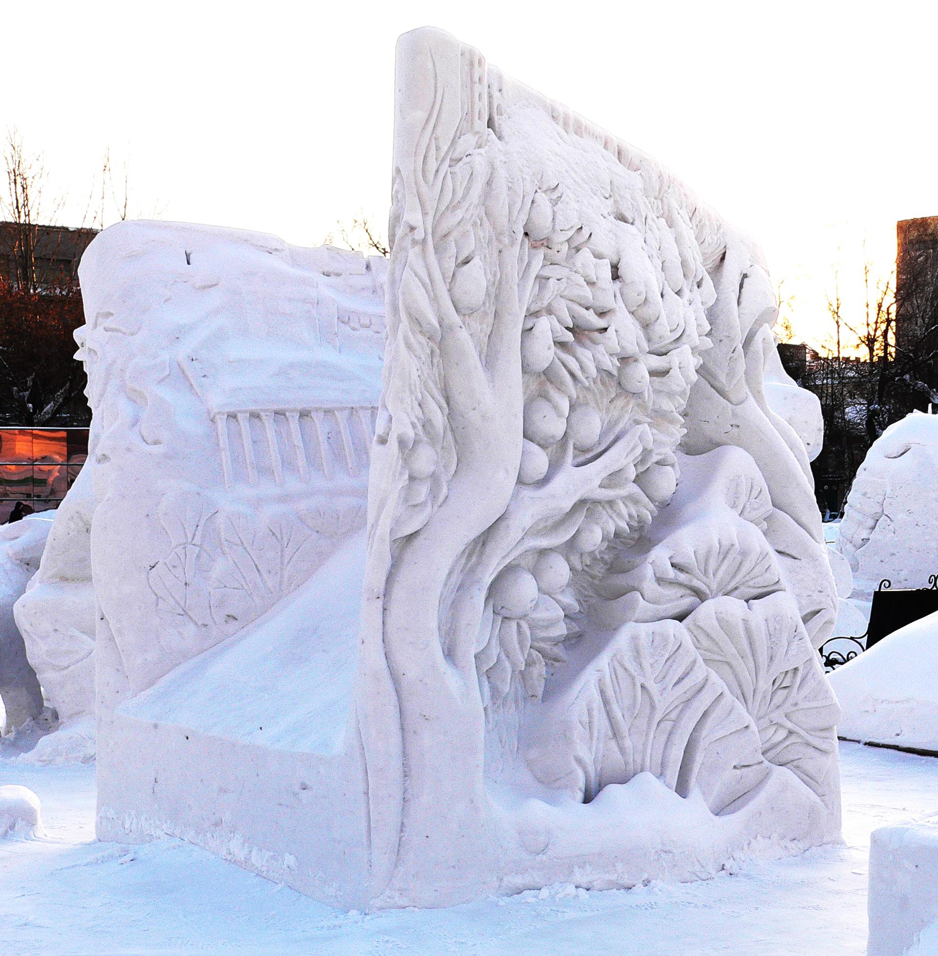Снежная_скульптура_посвященная_Новосибирску