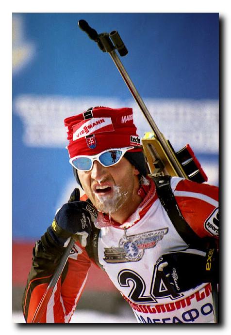 Спортивная-фотография-биатлон-Андрей-гребнев