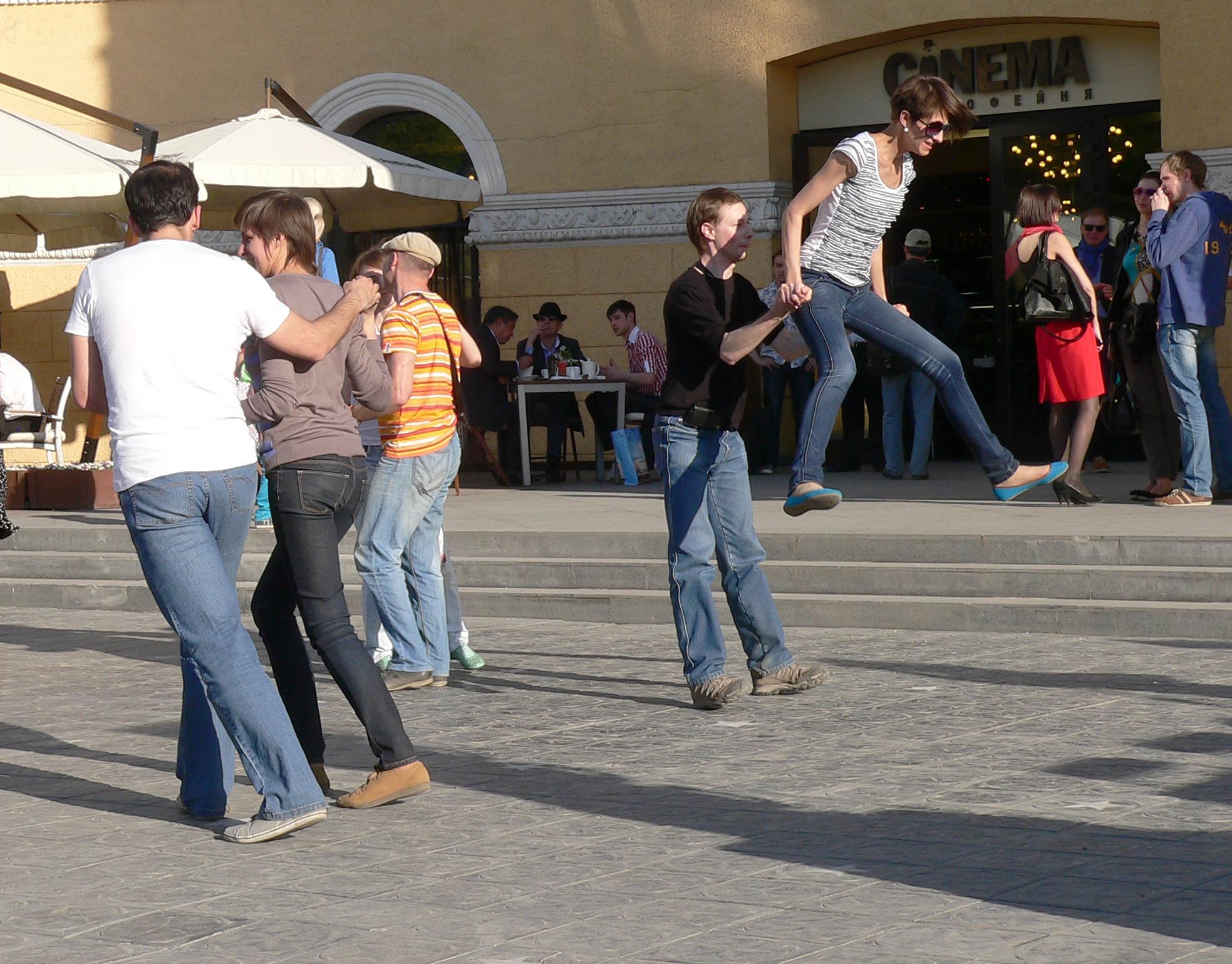 Фотография-джазового-фестиваля-Новосибирск-танцы