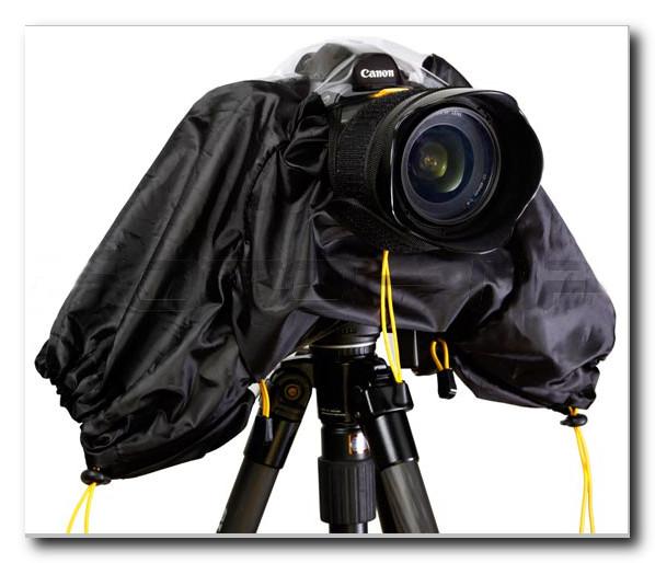 Съемка-в-дождь-специальный-чехол-для-фотоаппарата
