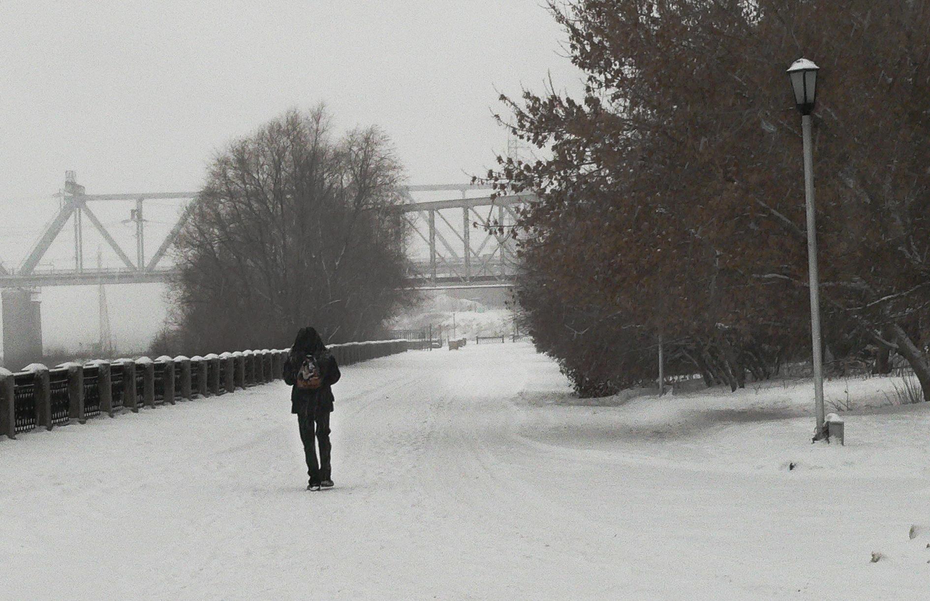 Съемка-снегопада-зимой-набережная