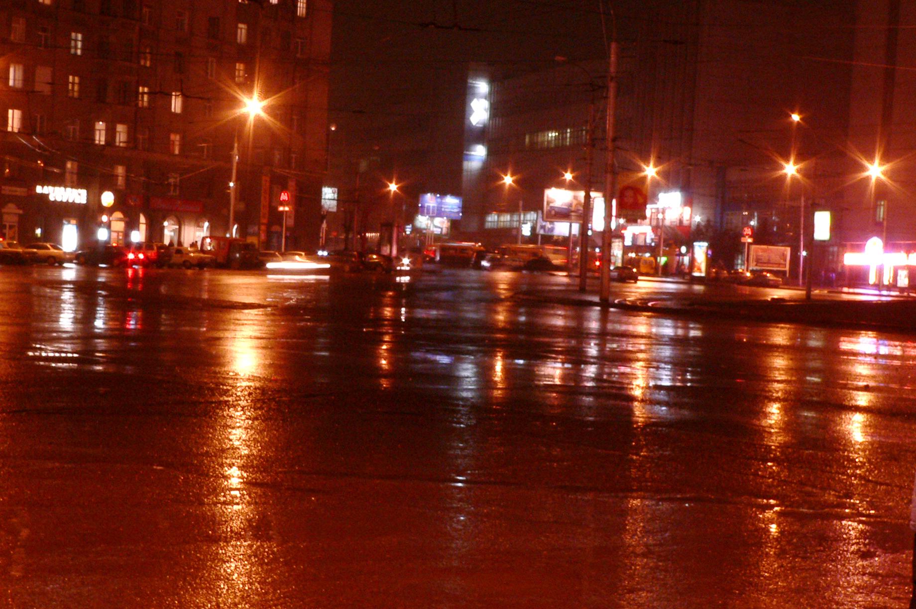 Съемка-в-дождь-ночь-в-городе