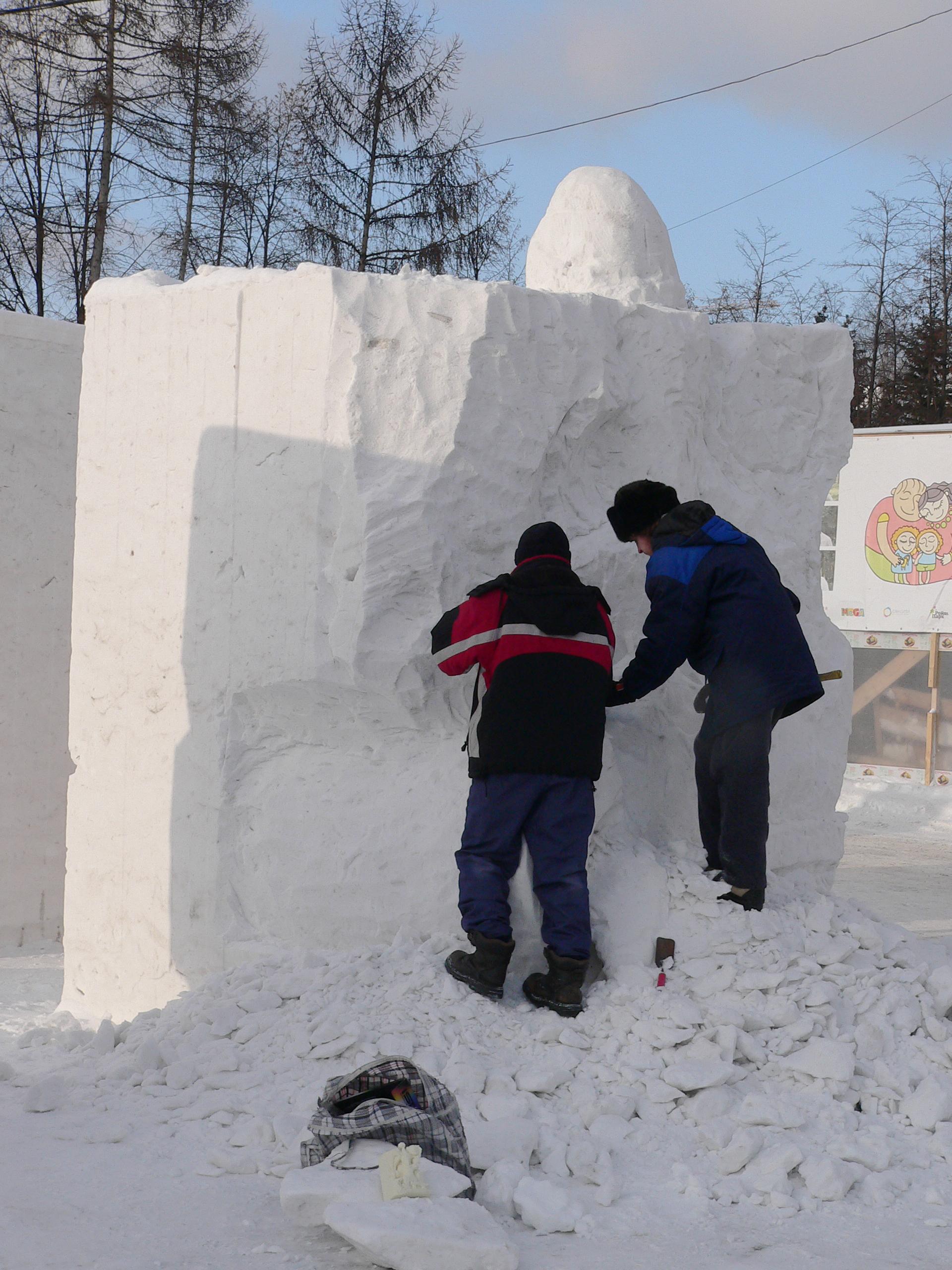 Фестиваль-снежных-скульптур-Новосибирск-2014-работа-мастеров