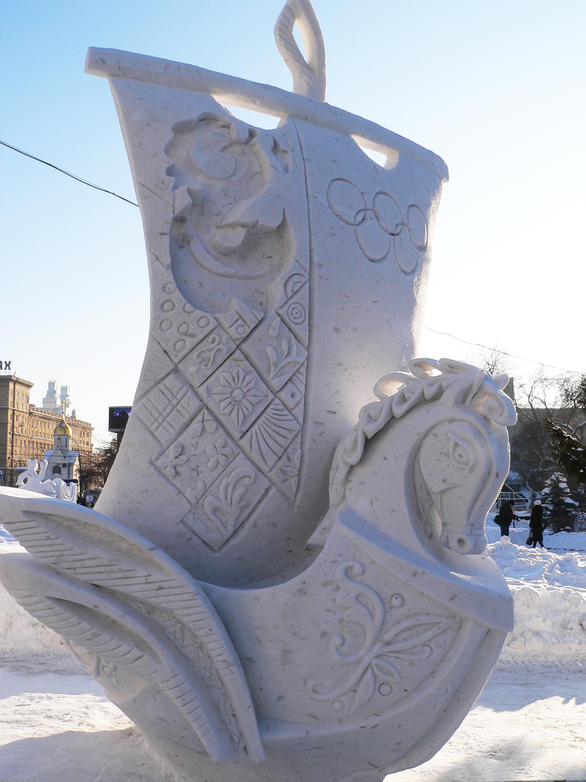 Фотография-снежной-скульптуры-Добрый-путь-2-Новосибирск