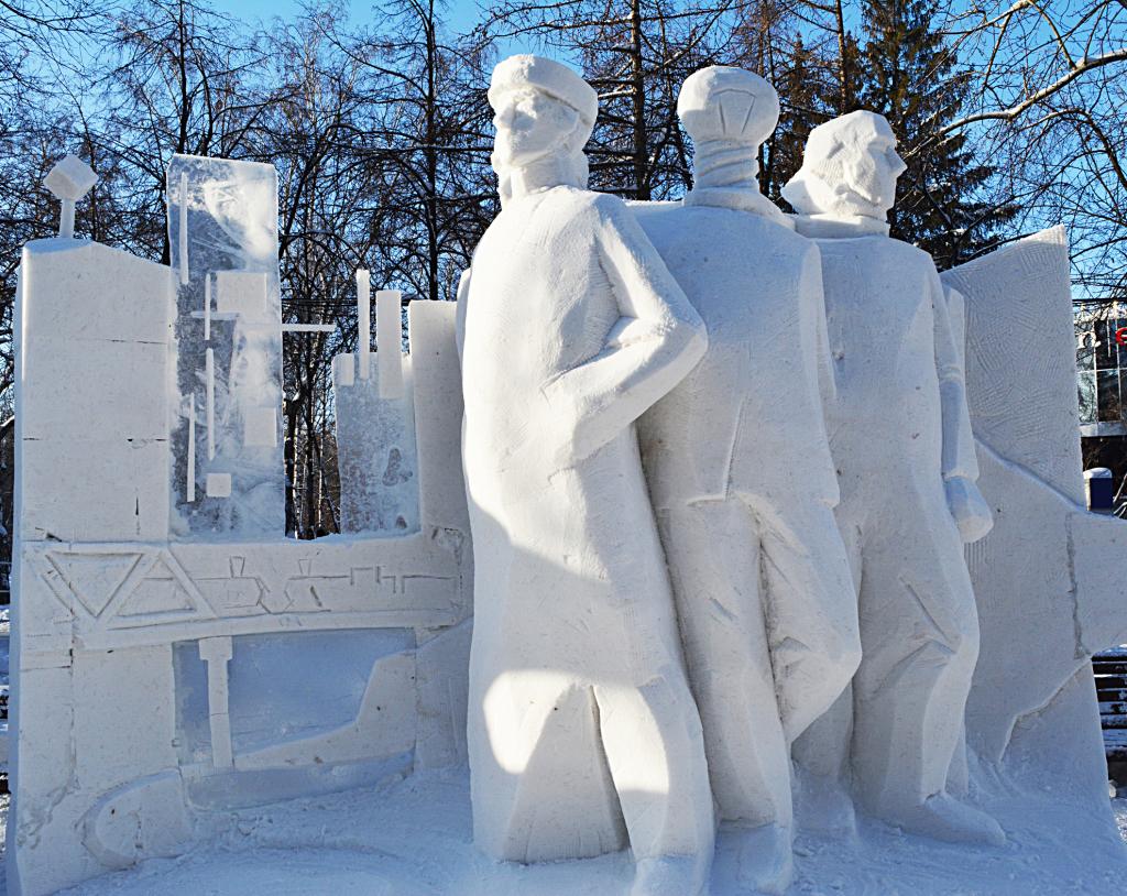 """Фотография снежной скульптуры """"Великий путь"""", г. Калининград"""