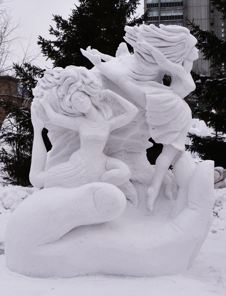 Фотография-снежной-скульптуры-2019-Рождение-танца