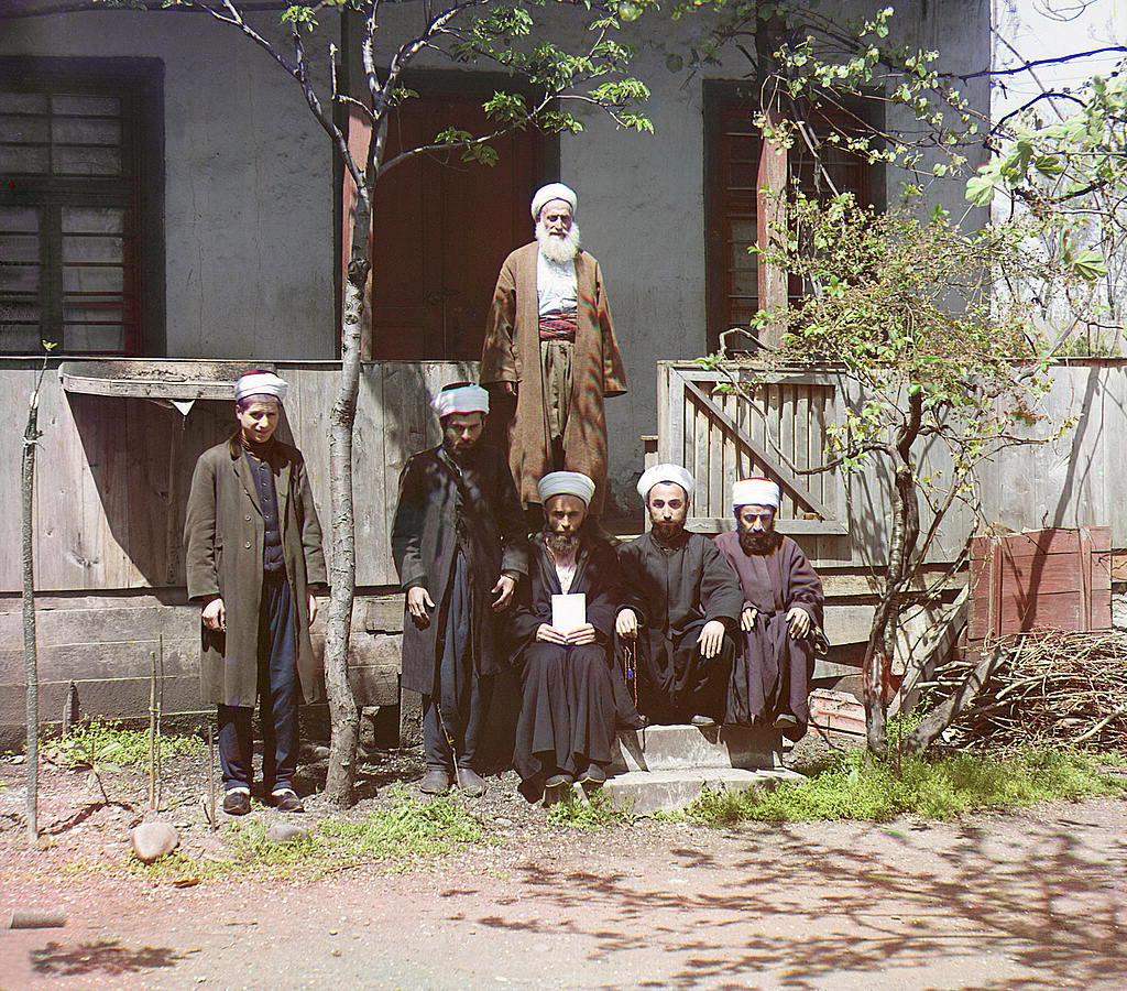 Муллы в мечети, Батум.