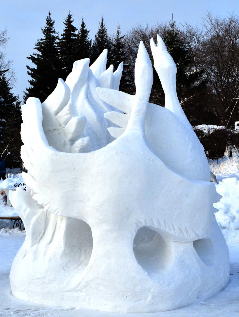 Фотография_снежной_скульптуры_Журавли_Новосибирск_2020